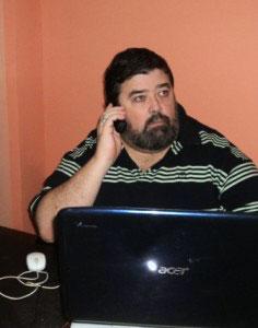 Jeff Harvie in the Down Under Visa Office